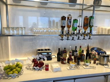 Business Lounge LAX (17)