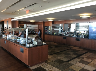 Business Lounge YVR (14)